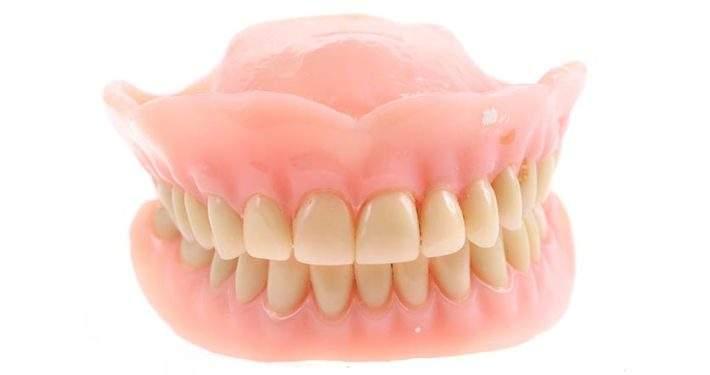 Bilde av tannprotese Smilia Tannklinikk